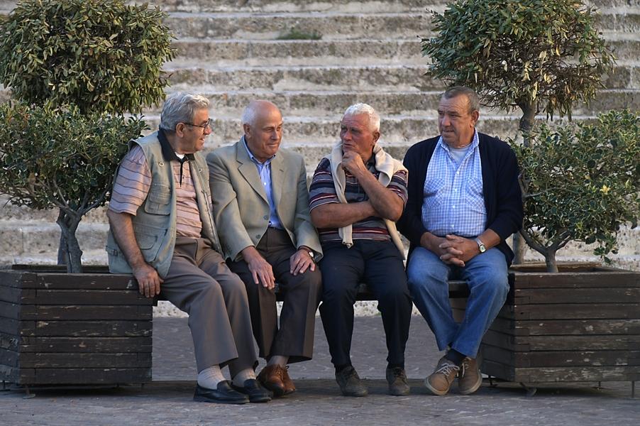Ces anciens qui restent entre eux