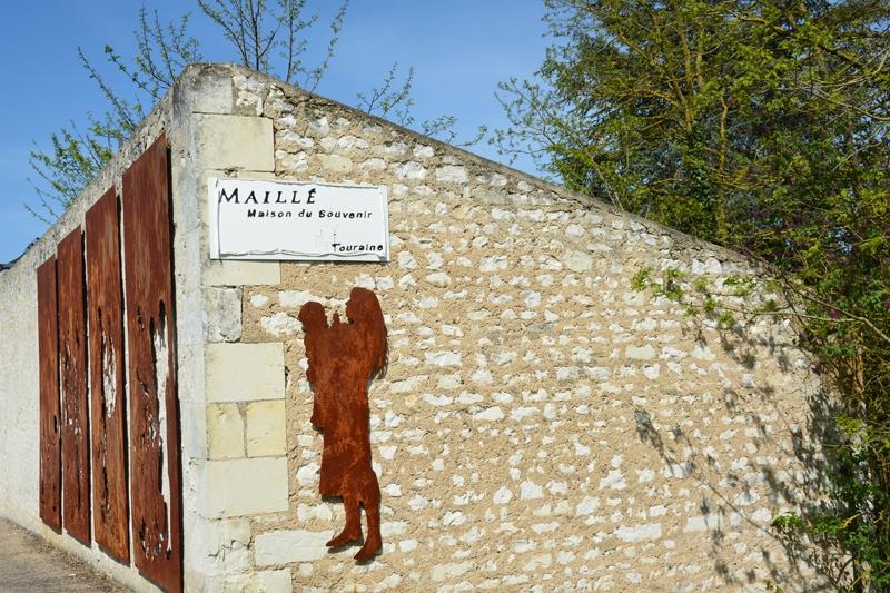Maillé, un crime de guerre oublié
