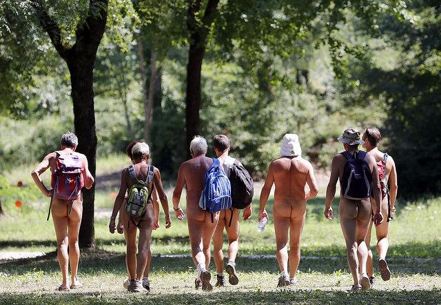 Les naturistes sans droits ni loi
